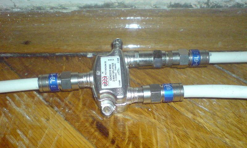 Répartiteur de câble coaxial (TV & Internet)
