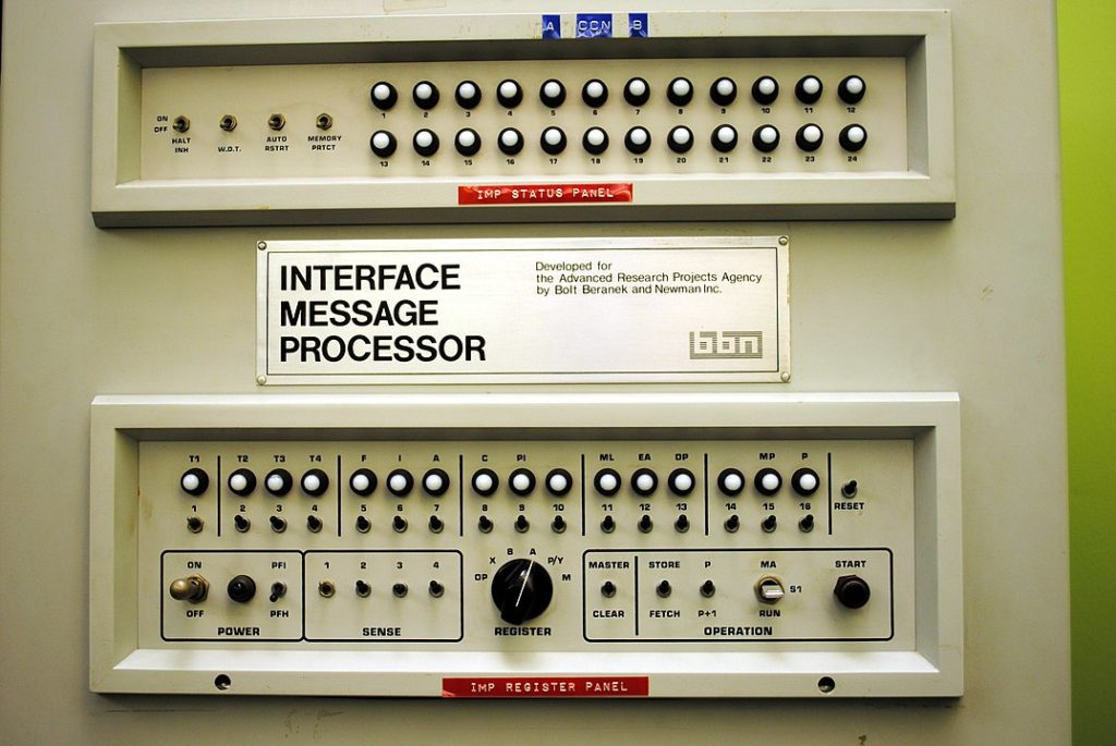 Processeur d'interface message